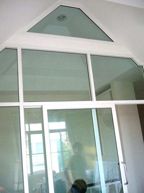 กั้นห้องกระจก ประตูกระจกบานเลื่อน