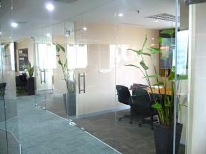 ห้องประชุมกั้นห้องกระจก